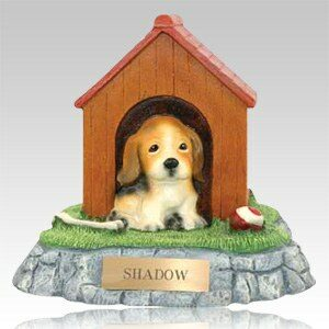 Pet cremation urns come in many designs and styles to suite individual needs